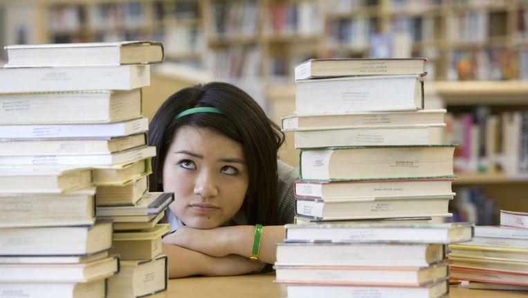 puberende meisjes blijken onder meer interpersoonlijke stress te staan dan jongens - De Vrijgezelle Meisjes 2014