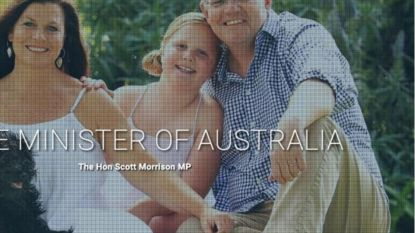 """""""Twee linkervoeten"""": getrukeerde foto van Australische premier gaat viraal"""