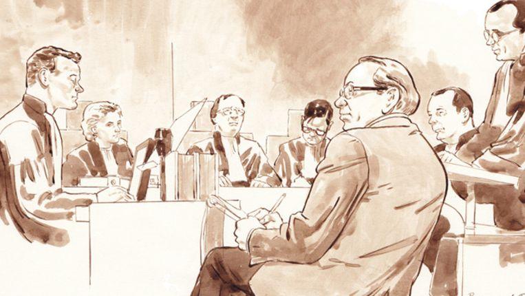 Rechtbanktekening proces Raymond P. (voorgrond). Beeld anp