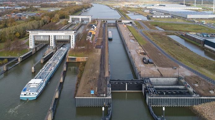 Prinses Beatrixsluis in Nieuwegein is volledig in gebruik.