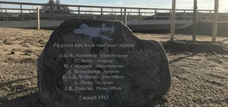 Herdenkingssteen voor omgekomen bemanning van de 'Halifax van Voorst'