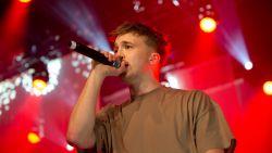 Zo ging Nederlandse rapper Snelle van hotelknecht tot jeugdidool in één jaar tijd