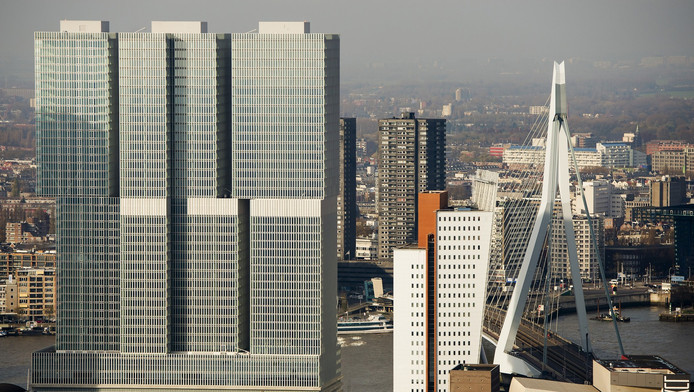 Een bezoekje aan Rotterdam is een mooie alternatieve stedentrip, stelt The Guardian.