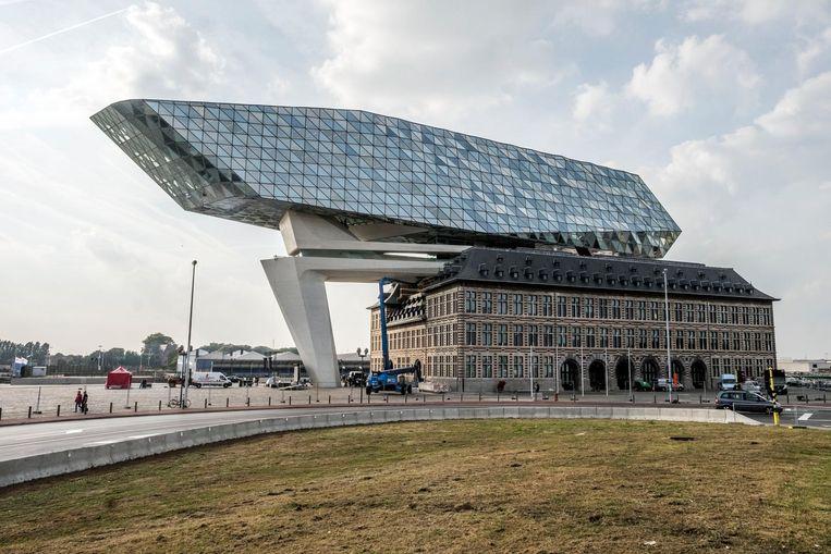 Het Havenhuis kost nu definitief 64 miljoen euro, bijna 27% meer dan de oorspronkelijke kostprijs.