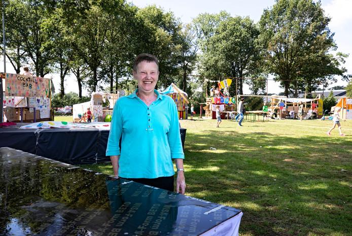 Mien Renders is al veertig jaar vrijwilligster bij de Jeugdvakantieweek in Sterksel en het verveelt haar nog niet.