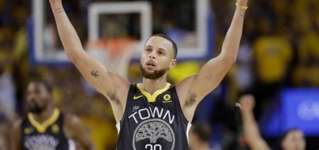 Superster Curry belooft Warriors trouw