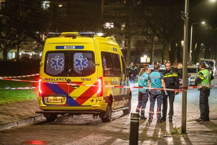 Hulpdiensten zijn afgekomen op de dodelijke steekpartij in een huis aan de Alphense Robijnstraat, in de nacht van 22 op 23 februari dit jaar.