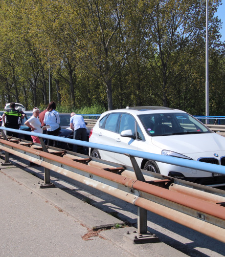 Vier auto's betrokken bij kettingbotsing N289