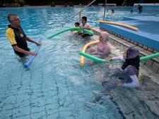 Syrische vluchtelingenkinderen krijgen  zwemles in De Diepsteeckel