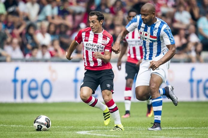 Rafael Uiterloo deed in de voorbereiding al met FC Eindhoven mee, onder meer tegen PSV.
