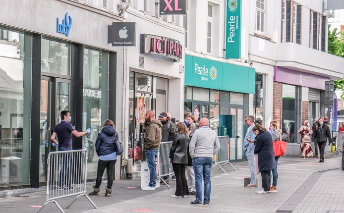 Voka hoopt dat de winkels opnieuw open kunnen om mensen toe te laten op een veilige manier te shoppen.