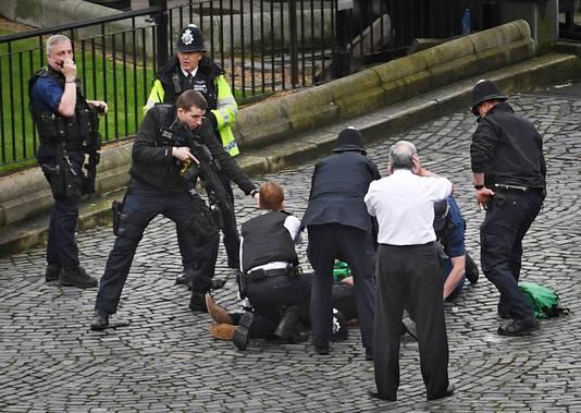 De dader werd na de aanslag doodgeschoten door een agent.