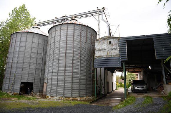 Bierbeek, dorp zonder (eigen) bier...Zeven brouwers willen hier verandering in brengen en verenigen zich onder de naam 'Dorpsbrouwerij Bierbeek'.