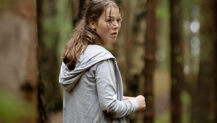 Andrea Berntzen als Kaja, op de vlucht voor terrorist Anders Breivik. Beeld Utøya 22. juli
