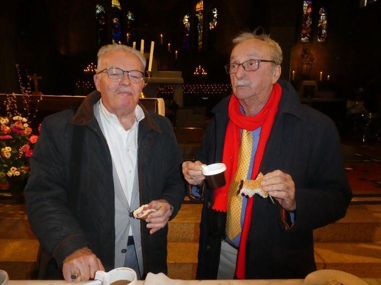 Renteniers Robertus Tabak en Ludwig Flügelmann, helemaal uit Rheine: 'Dit was in Duitsland niet mogelijk. So toll!' Beeld Hans van der Beek