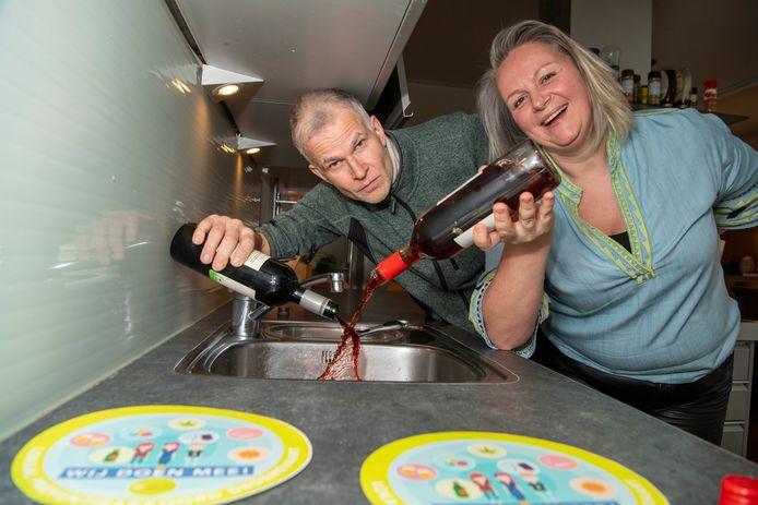 Gerrit Hartholt en Paula Wiet uit Dedemsvaart maken zich zorgen over drank en drugs gebruik bij jonge tieners en hebben zich aangesloten bij een oudergroep die bewustwording wil bevorderen.