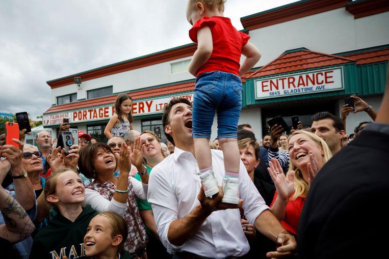 Justin Trudeau op campagne voor zijn herverkiezing in Niagara Falls.  Beeld Getty