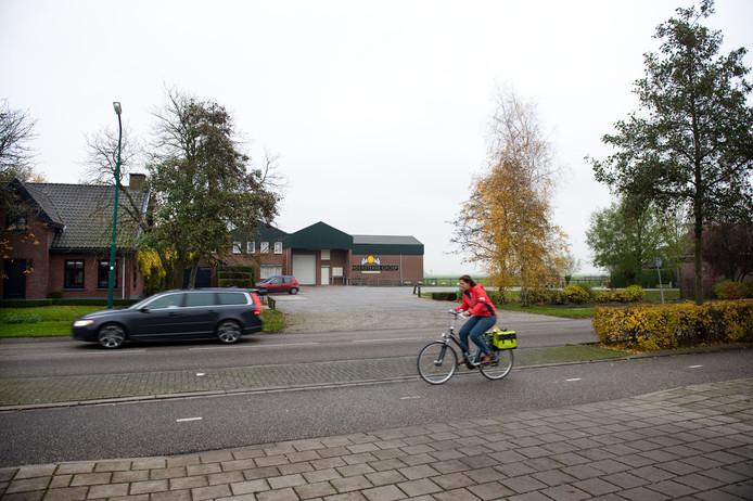Achter kaasbedrijf Vandersterre aan de Hoofweg verrijzen in 2019 nieuwe woningen in Zegveld.