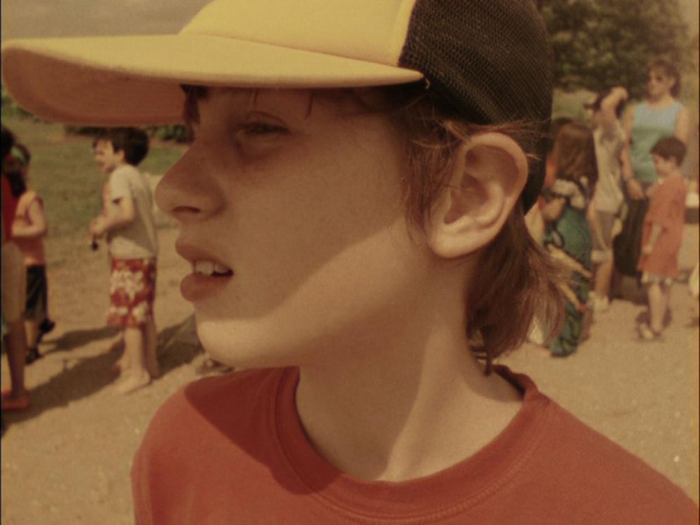 Isaac, voorheen Iris, wordt door zijn vader gevolgd in het transformatieproces van meisje naar jongen.