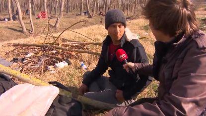 """Vluchtelingen aan Turks-Griekse grens willen hoe dan ook naar Europa: """"Ik heb geen andere optie dan te zwemmen"""""""