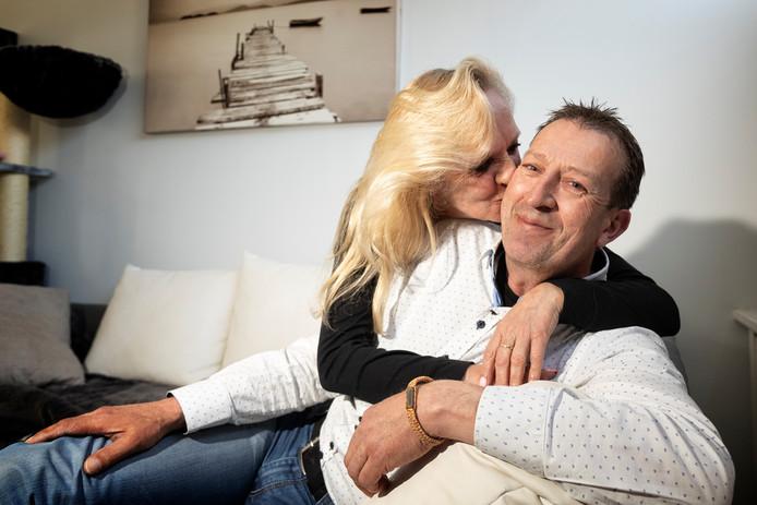 Yvonne en Martin geven niet op. Een stichting moet voldoende geld opleveren voor de benodigde behandeling.