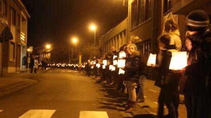 Scholen organiseren lichtwandeling voor Warmste Week: centrumstraten afgesloten voor verkeer