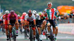 Gaviria wint in Giro na deklassering Viviani