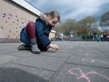 Weg met het ouderwetse schoolplein: de Rietkraag in Raalte krijgt een groen plein om te leren en spelen