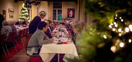 Ouderen krijgen kerstmaal cadeau in Wijchens Kasteel