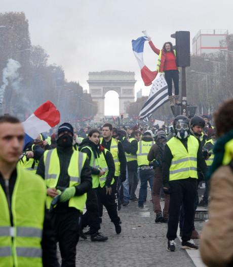Gele hesjes laten Franse economie krimpen
