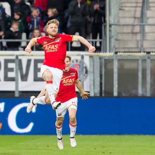 Fredrik Midtsjø is blij na zijn doelpunt tegen Roda eerder dit seizoen.