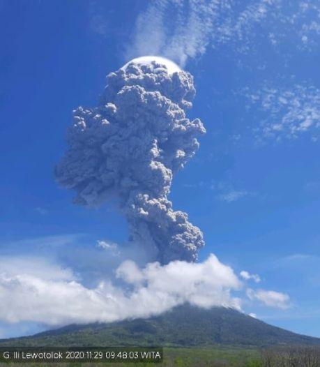 Deuxième éruption en trois jours d'un volcan à l'est de l'Indonésie