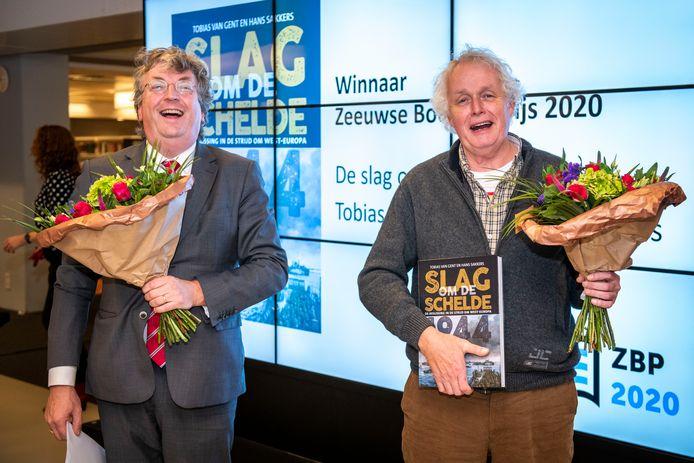 Tobias van Gent en Hans Sakkers wonnen de prijs met hun boek Slag om de Schelde.