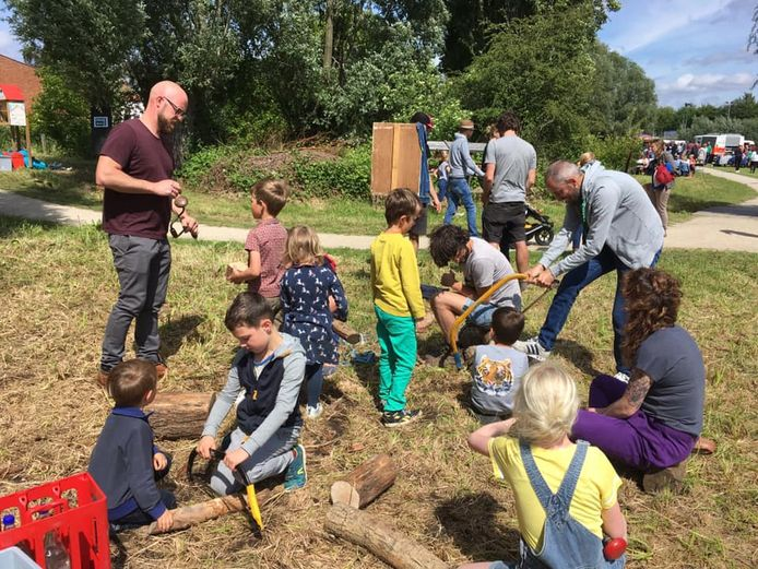 Er waren onder meer tal  van workshops voor kinderen. Zo maakten ze samen een minituintje, een bijenhotel, een knikkerbaan, een bamboehut,…