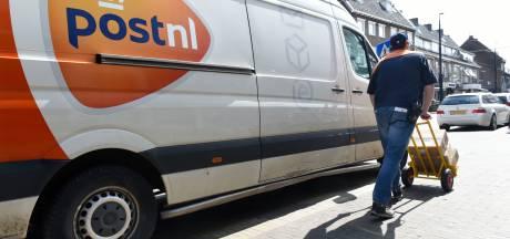 Pakketbezorgers ingezet tegen eenzaamheid: 'Volle brievenbus? Dan is er mogelijk iets aan de hand'