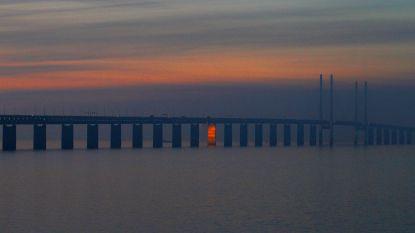 Megabrug tussen Denemarken en Zweden krijgt likje verf, hele operatie zal 13 jaar duren