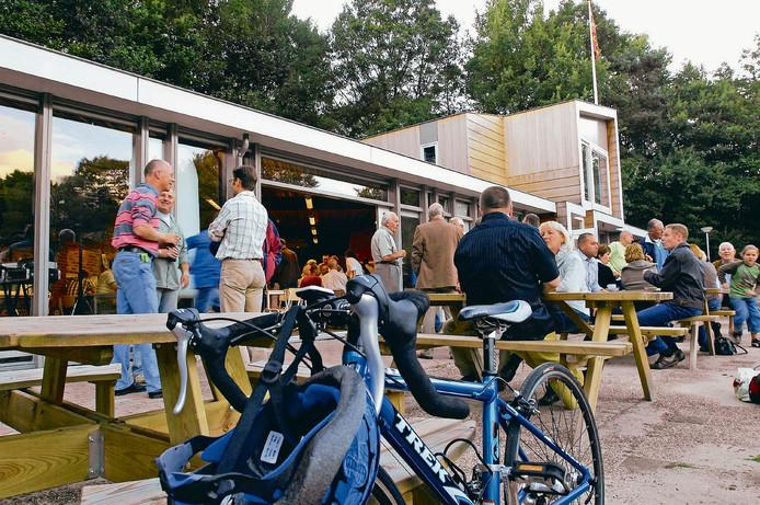 In 2006 streek wielervereniging De Adelaar in het Orderbos neer. Medio 2007 werd daar een gloednieuw clubhuis in gebruik genomen.