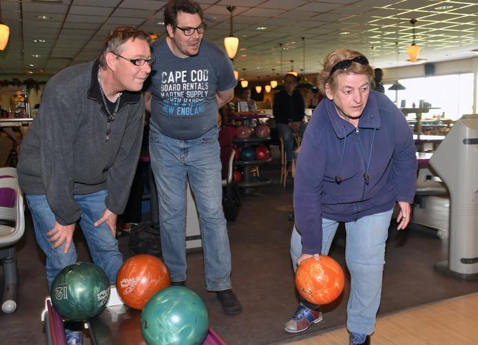 Voor het maatjesproject is Jenny gaan bowlen met Erwin en Bernhard.