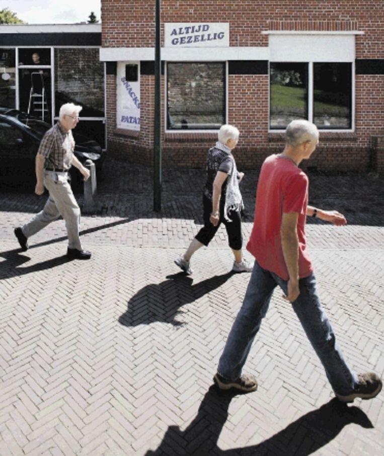 'Altijd gezellig' in Ulrum. (FOTO'S JÃ¿RGEN CARIS, TROUW) Beeld
