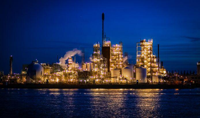 De fabriek van Chemours in Dordrecht.