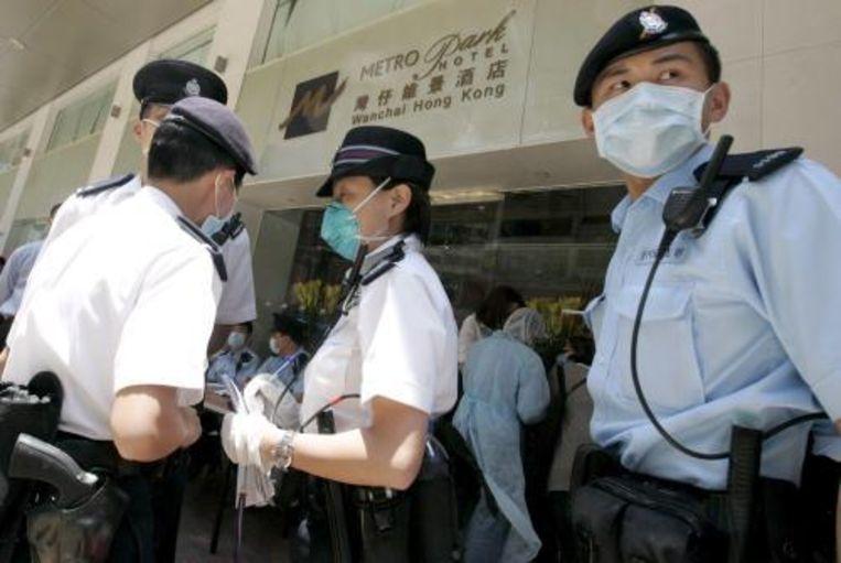 De Nederlander Richard van der Aa arriveerde rond acht uur lokale tijd weer in het hotel waar acht Nederlanders in quarantaine zijn geplaatst uit angst voor de verspreiding van Mexicaanse griep. Foto ANP Beeld