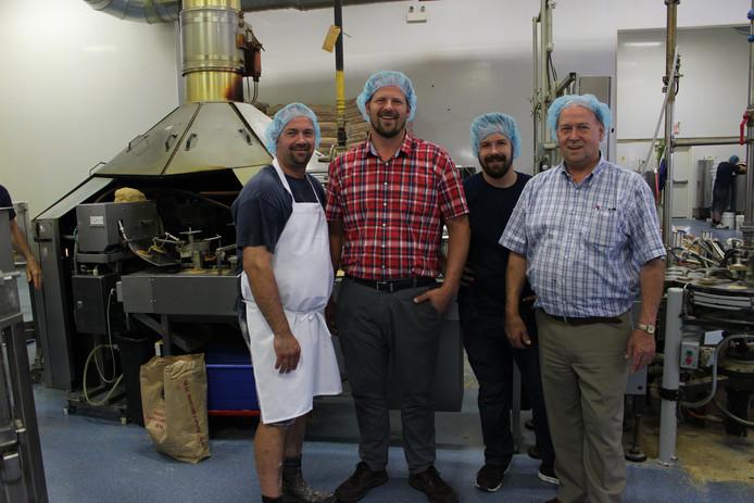 Peter, Jacco, Jonathan en hun vader Arie Schep (vlnr) in de bakkerij.