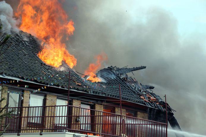 De ontplofte woning op Urk