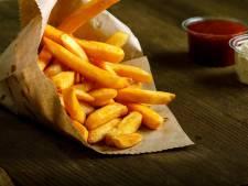 Un adolescent devient aveugle à cause de son régime à base de frites et de chips