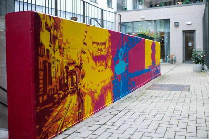 Op het terras van woonzorgcentrum Onze Lieve Vrouw van Antwerpen, een woonzorgcentrum te midden van de studentenbuurt in hartje Antwerpen, verschijnt dezer dagen een streetart-kunstwerk van 35 meter