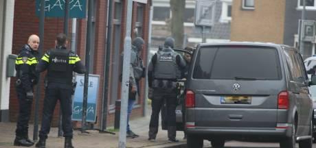 Joey D. schiet bij aanhouding op politie na veroordeling voor doodschieten oom, politie schiet terug