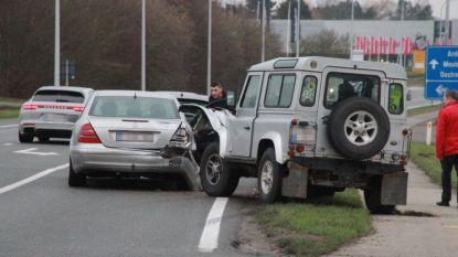 Vier auto's botsen, geen gewonden