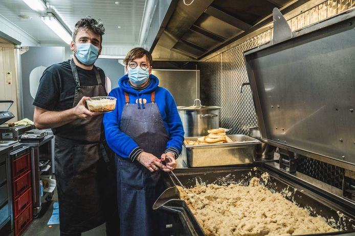 Wim Ballieu maakt voor zijn nieuwe concept Wim's Deli gebruik van de keuken van zijn moeder Lieve Goderis.