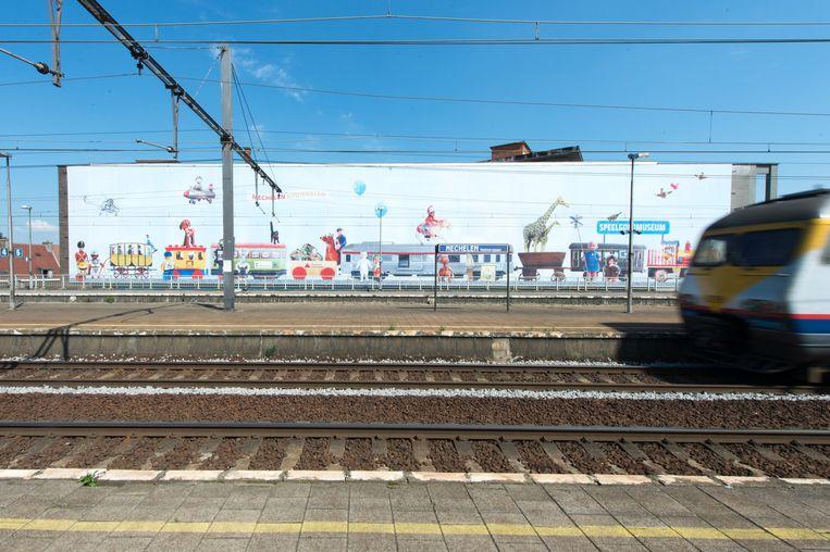 Gigantische banner aan Nekkerspoel-station vestigt aandacht