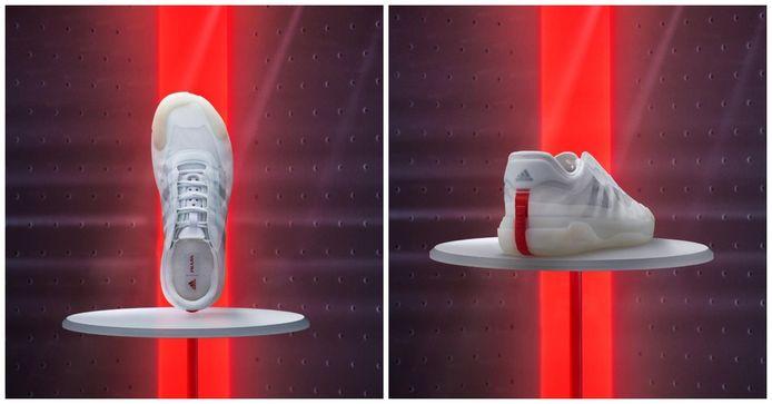 Prada's kenmerkende rode streep op de hiel voegt een vleugje kleur toe aan de witte sneaker.